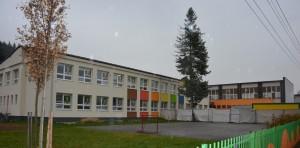 Základná škola s materskou školou Teplička nad Váhom